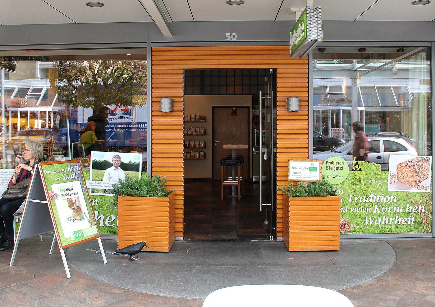 Relaunch CD und Markenführung für die Biobäckerei Brotgarten: Außengestaltung