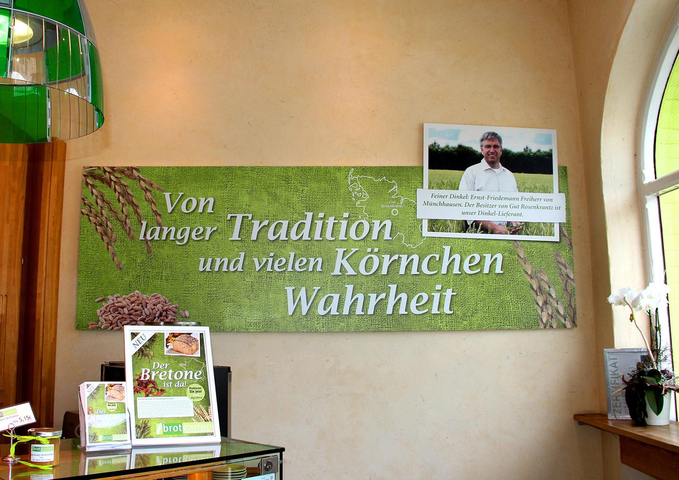 Relaunch CD und Markenführung für die Biobäckerei Brotgarten: Gestaltung Verkaufsraum und Werbematerialien